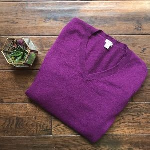 Halogen 100% cashmere sweater plum color v neck